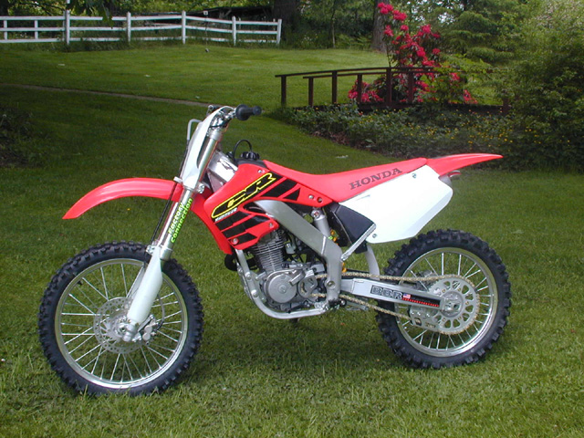 XR200 stuffed in CR125R chassis